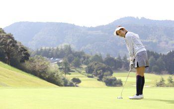 ゴルフのパターを打つ時の視線(目線)はどうしたらいい?