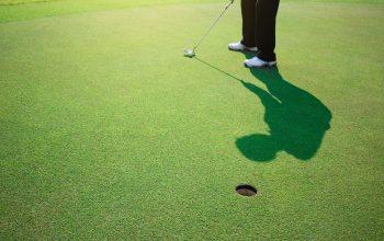ゴルフのパッティング(パット)の「オープンスタンス」とは?
