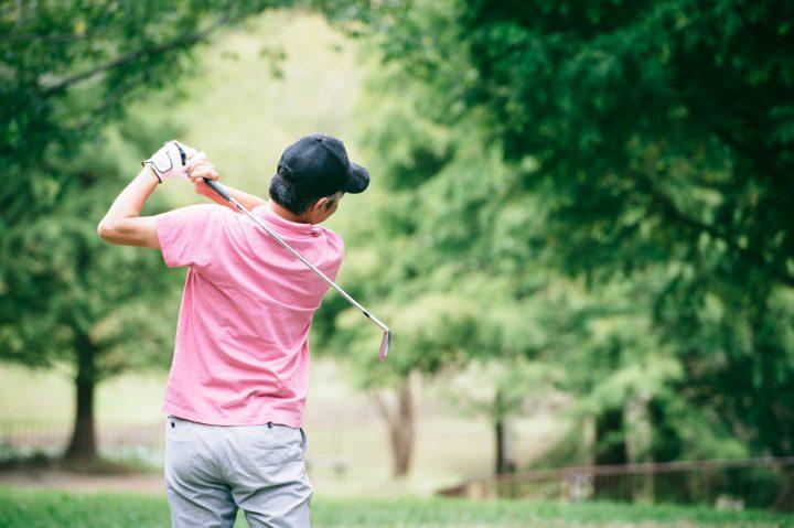 ゴルフ初心者が行うべき基本の素振り